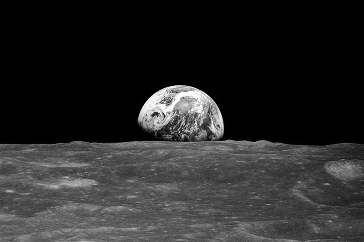 Earth rise Apollo 8